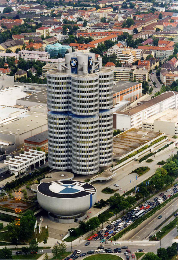 BMW központi irodaház