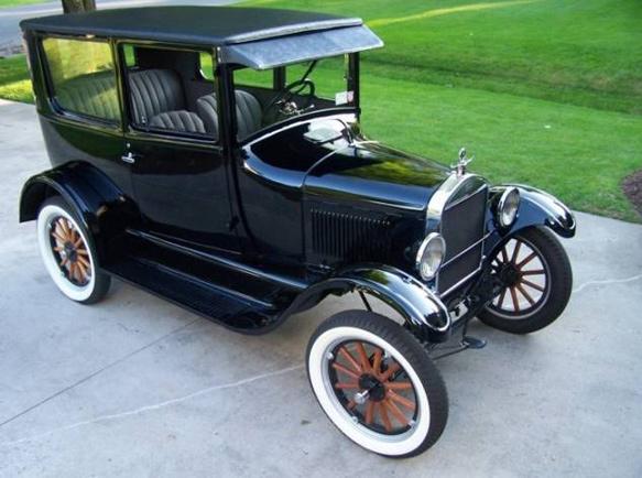 Ford T-modell fekete színben